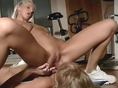 Girlfriends enjoy oral fun on floor